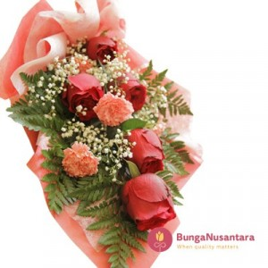 Hand Bouquet Rose Semi Carnation